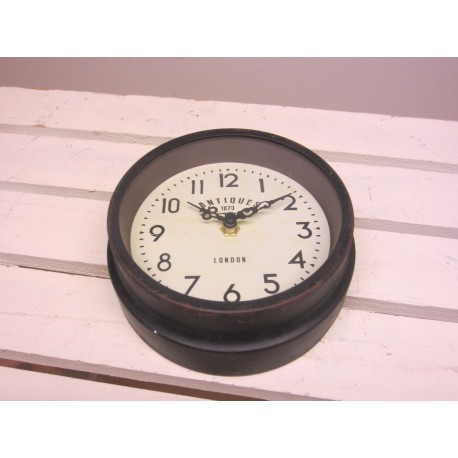 Ib Laursen væg ur